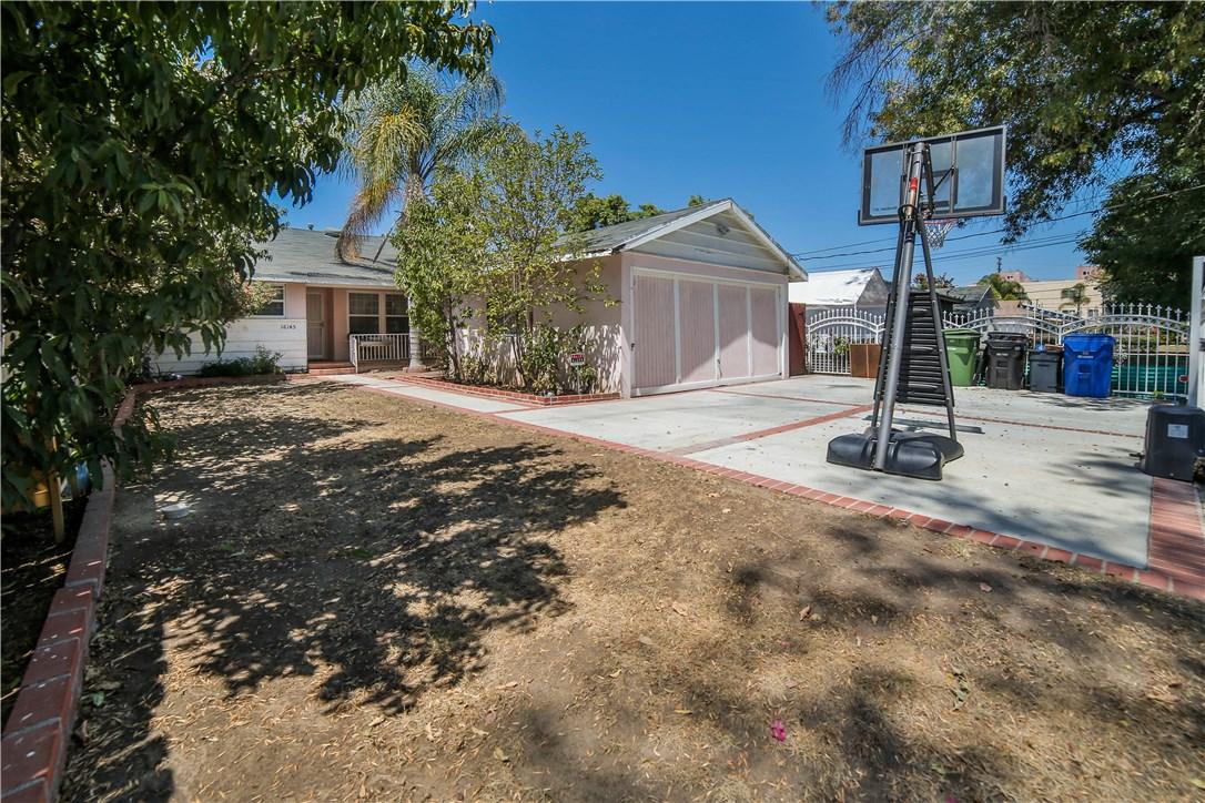 16145 Kittridge, Lake Balboa, CA 91406