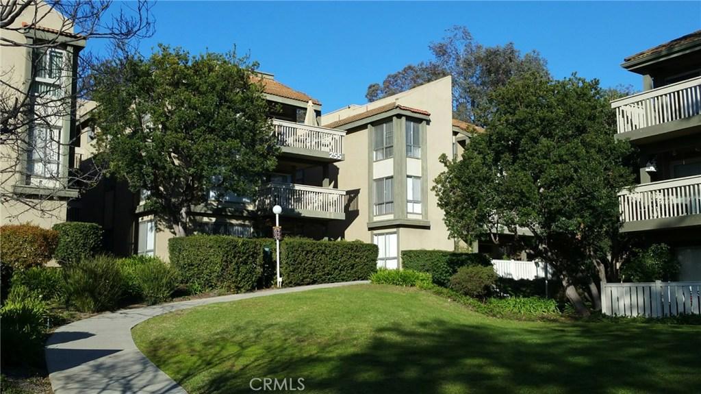 255 Sequoia Court #15, Thousand Oaks, CA 91360