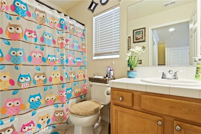 11844 Apple Grove Lane, Sylmar CA: http://media.crmls.org/mediascn/816ce60e-9039-4d82-bdcb-ef34f14493ad.jpg