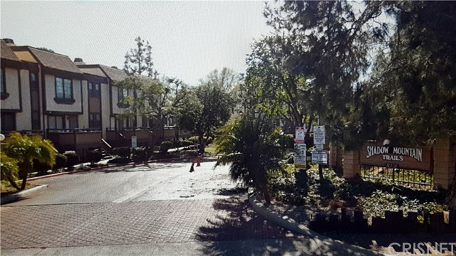 11300 Foothill Bl, Lakeview Terrace, CA 91342 Photo
