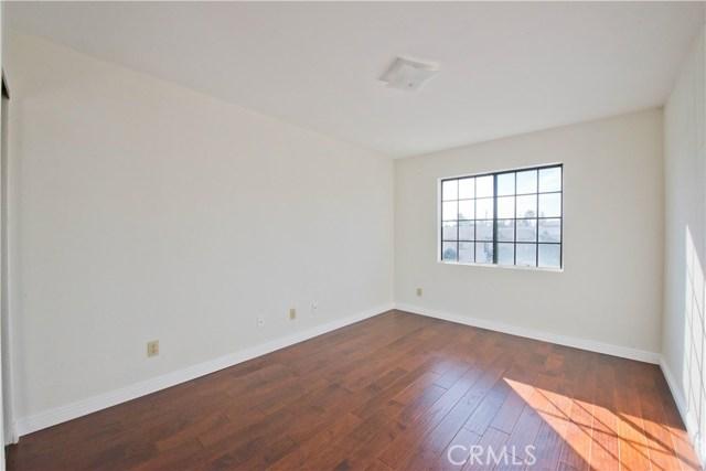Additional photo for property listing at 16315  Kinzie Street 16315  Kinzie Street Northridge, California 91343 United States