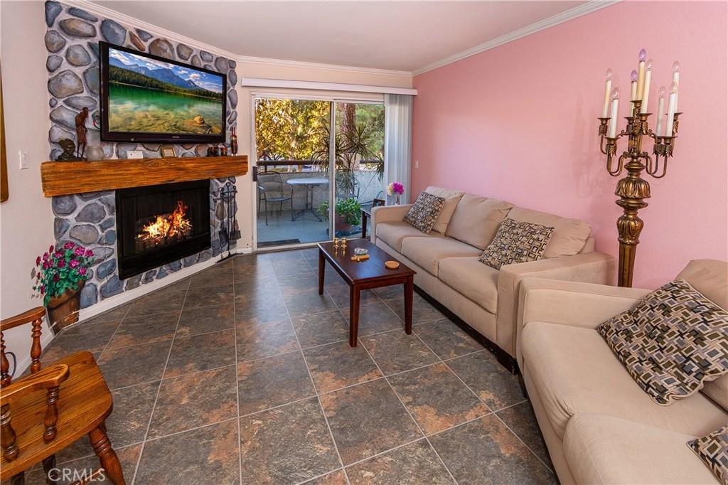 5515 CANOGA Avenue, 105, Woodland Hills, CA 91367