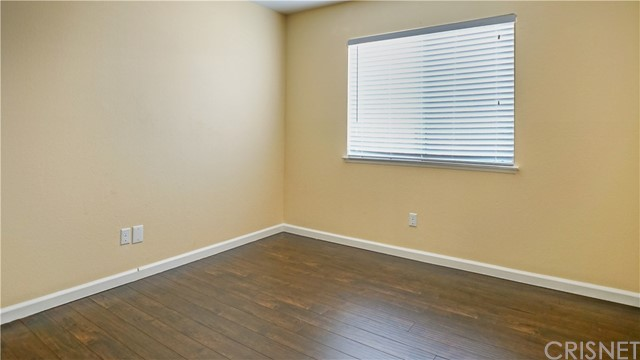 44919 Fenhold Street, Lancaster CA: http://media.crmls.org/mediascn/82d0fe7f-656a-4a6c-8620-bc681c578350.jpg