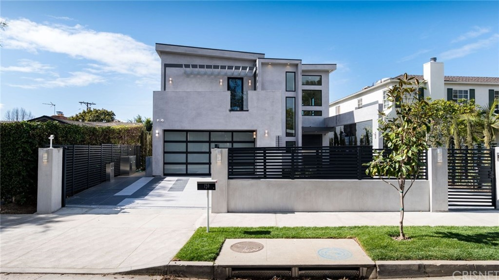 Property for sale at 159 South Bowling Green Way, Brentwood (LA),  CA 90049