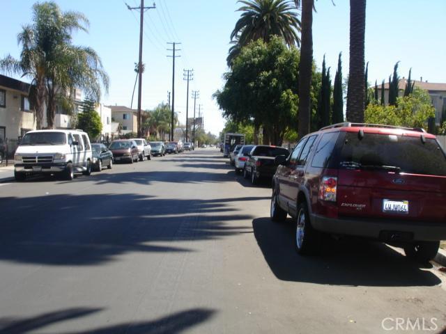14642 Calvert Street, Van Nuys CA: http://media.crmls.org/mediascn/82d878ec-2062-4c37-9326-6eb9ec2ae59c.jpg