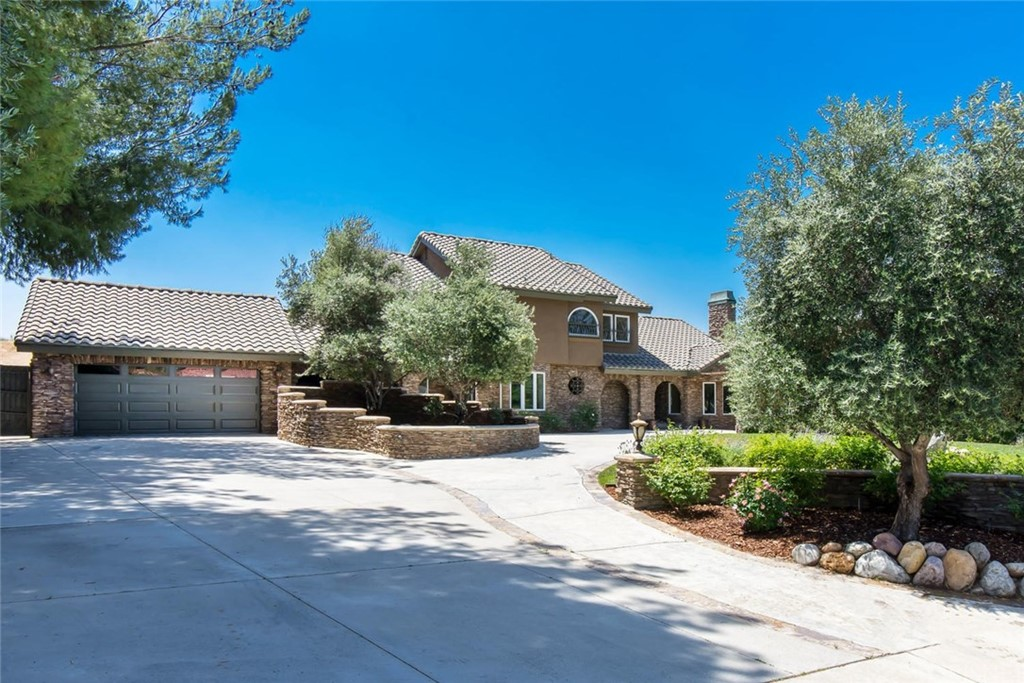 Photo of 21948 PARVIN DRIVE, Saugus, CA 91350