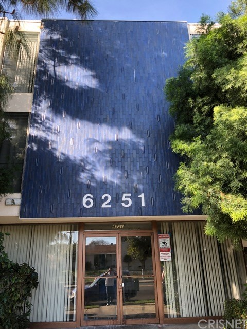 Condominium for Sale at 6251 Coldwater Canyon Avenue Unit 308 6251 Coldwater Canyon Avenue North Hollywood, California 91606 United States