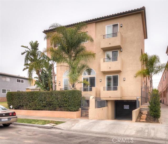 Photo of 1536 HI POINT Street #101, Los Angeles, CA 90035