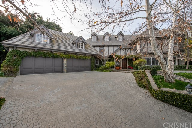 Photo of 4411 Westchester Drive, Woodland Hills, CA 91364