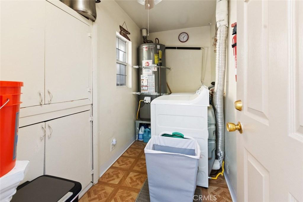 10446 COMMERCE Avenue, Tujunga, CA 91042