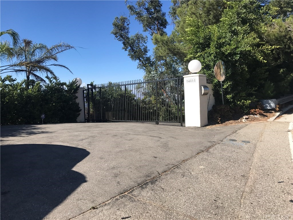 Photo of 14815 MULHOLLAND DRIVE, Los Angeles, CA 90077