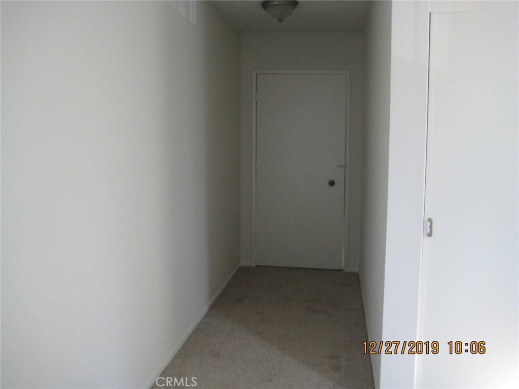 22041 Costanso Street, 201, Woodland Hills, CA 91364