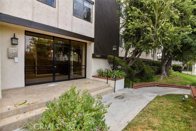 5805 Whitsett Avenue, Valley Village CA: http://media.crmls.org/mediascn/839efb86-42c4-41d5-94f8-b9d4829d8563.jpg