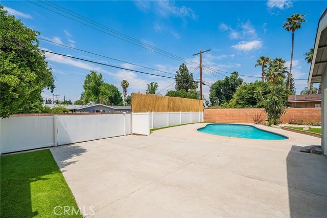 22843 Sherman Way, West Hills CA: http://media.crmls.org/mediascn/83fdfc12-3226-4fe2-b69e-87ed0d0487e5.jpg