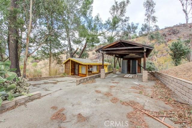 9836 Sunland Boulevard, Shadow Hills CA: http://media.crmls.org/mediascn/84205f3d-fec9-4700-9700-9f05567562dc.jpg