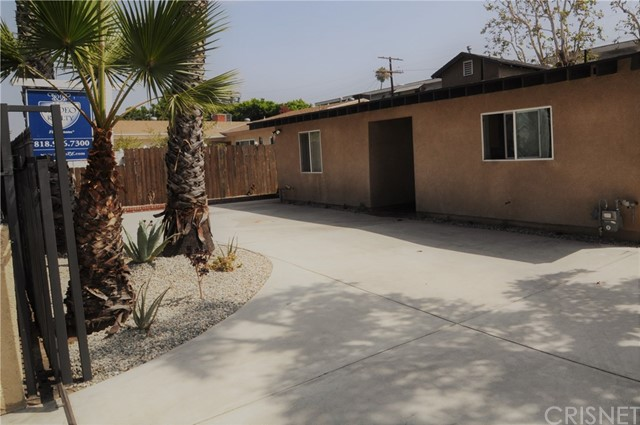 6960 Van Noord Avenue, North Hollywood CA: http://media.crmls.org/mediascn/842feb7e-e088-4dba-a6eb-1338236dbc84.jpg
