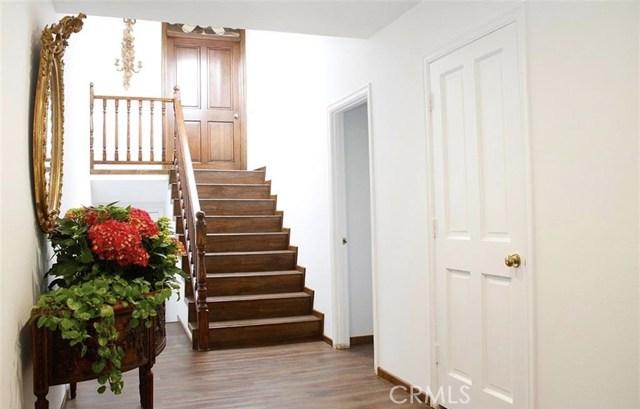 4952 Encino Avenue, Encino CA: http://media.crmls.org/mediascn/847edd0a-cd64-461e-a37c-8d06e2110779.jpg