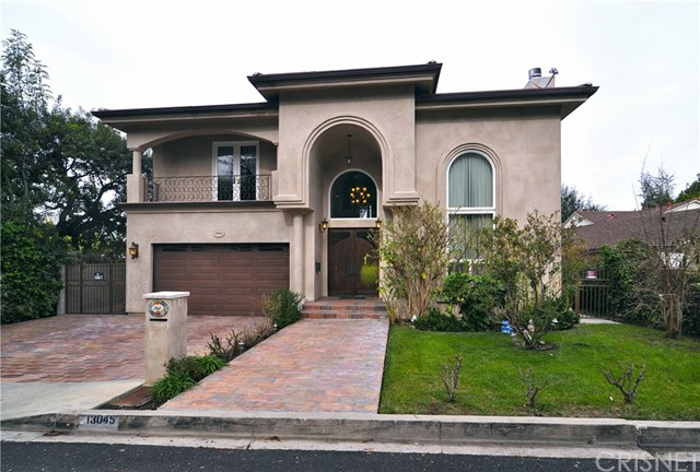 Single Family Home for Rent at 13045 Greenleaf Street Studio City, California 91604 United States