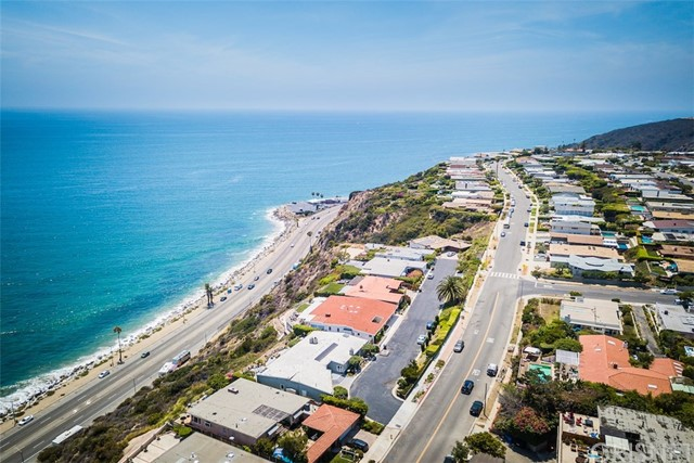 18203 Coastline Drive Unit 9 Malibu, CA 90265 - MLS #: SR18248057