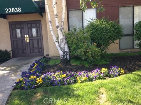 22038 VANOWEN Street 218, Woodland Hills, CA 91303