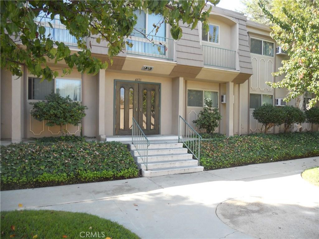 Property Listing: 6021 Fountain Park Lane #6, Woodland Hills