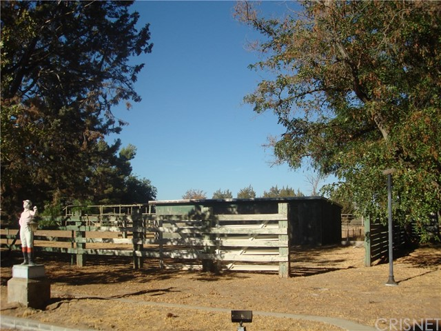 2011 Carson Mesa Road, Acton CA: http://media.crmls.org/mediascn/84bf7b5d-1434-4b48-9d29-cc9a5707e99a.jpg
