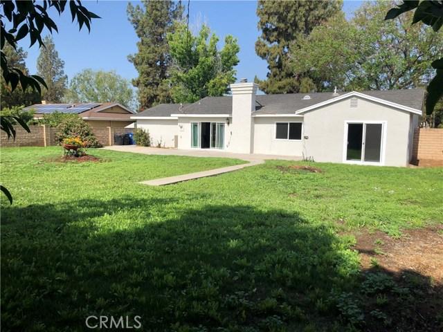 10426 Yolanda Avenue, Northridge CA: http://media.crmls.org/mediascn/84c082b0-d195-45cc-94a6-7f8161e0e558.jpg