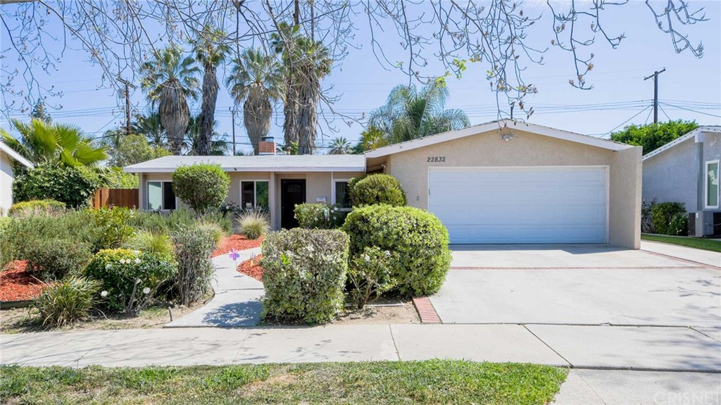 Photo of 22832 Cantlay Street, West Hills, CA 91307