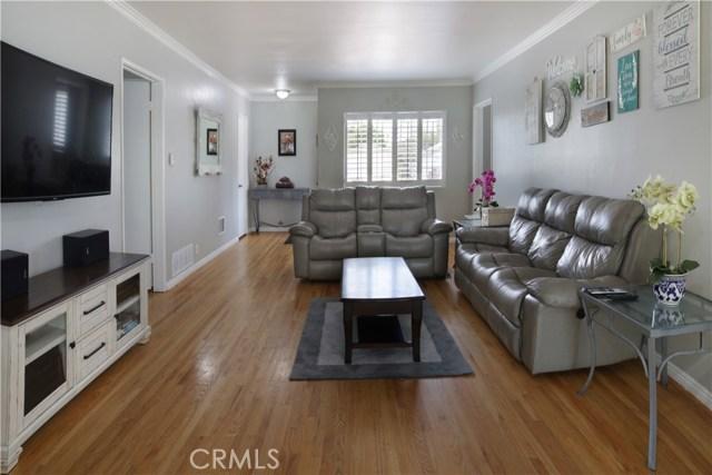 20547 Covello Street, Winnetka CA: http://media.crmls.org/mediascn/84d6d5f2-00b9-4753-a1b4-a5d0bb75c44d.jpg