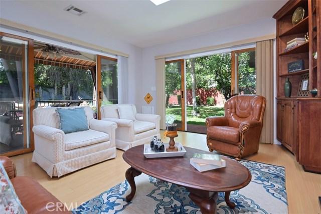 5825 Lemona Avenue, Sherman Oaks CA: http://media.crmls.org/mediascn/84f3d776-b8a1-4a8b-9783-70a9ab410639.jpg