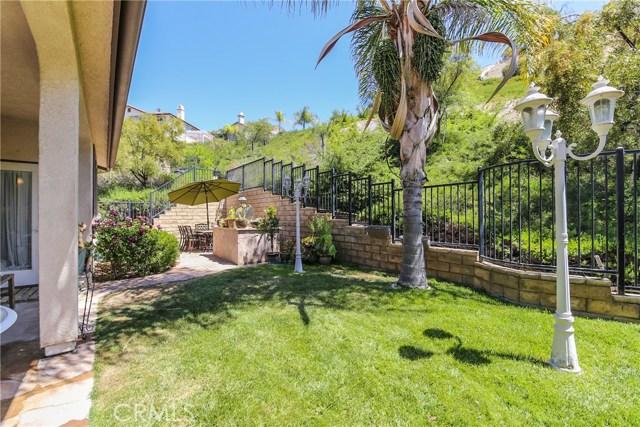 25226 Gloriso Lane, Stevenson Ranch CA: http://media.crmls.org/mediascn/8524b574-5e61-45f2-835b-0a57c892f818.jpg