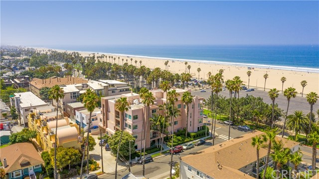2203 Ocean 104 Santa Monica CA 90405