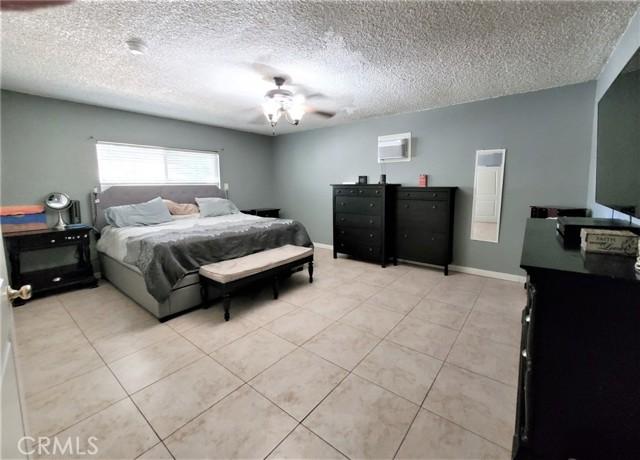 10609 Reseda Boulevard, Northridge CA: http://media.crmls.org/mediascn/859533b4-9d3d-4d51-8fd3-537f9e54de4d.jpg