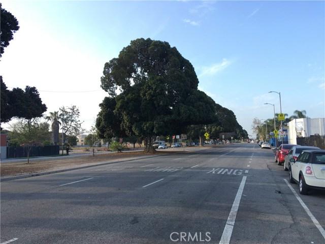 9313 S Broadway, Los Angeles CA: http://media.crmls.org/mediascn/85a5d35a-1a88-4a2f-a65e-1e66614b54cf.jpg
