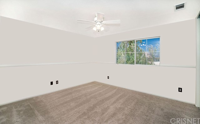 28643 Oak Hill Court, Castaic CA: http://media.crmls.org/mediascn/85a67567-9c23-4bb8-baa4-9875e435d255.jpg