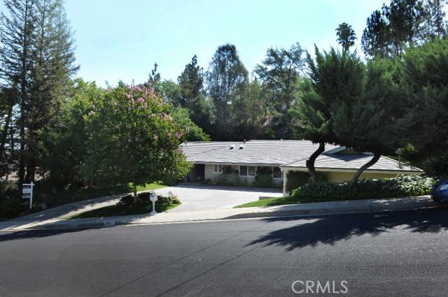5142 Del Moreno Drive, Woodland Hills CA 91364