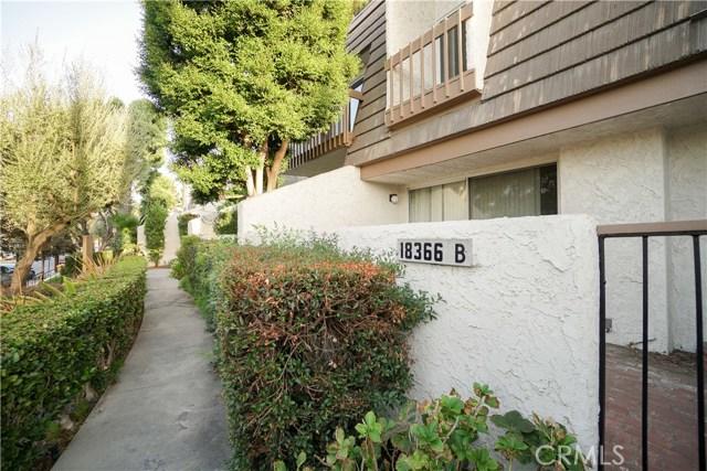 18366 Collins Street, Tarzana CA: http://media.crmls.org/mediascn/85bb6440-e307-4765-93d8-5c741063c3c3.jpg