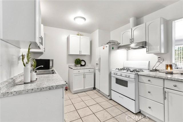 3391 Haven Street, Rosamond CA: http://media.crmls.org/mediascn/85bf022b-1b0a-4f68-89f8-8de273eea53c.jpg