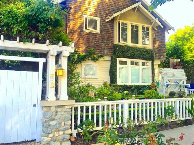 11363 Berwick Street, Brentwood CA 90049