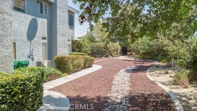 41868 Tilton Drive, Palmdale CA: http://media.crmls.org/mediascn/8632f709-5ce8-4c3b-abba-3ee05f1591dc.jpg