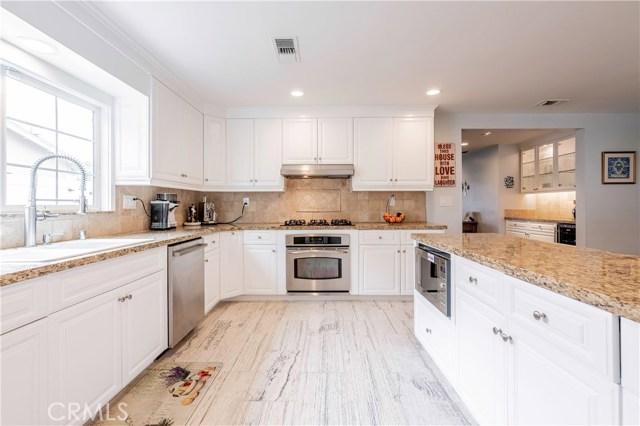 6522 Sale Avenue, West Hills CA: http://media.crmls.org/mediascn/86403917-0d60-43cc-b94c-d5ccd3a74d6b.jpg