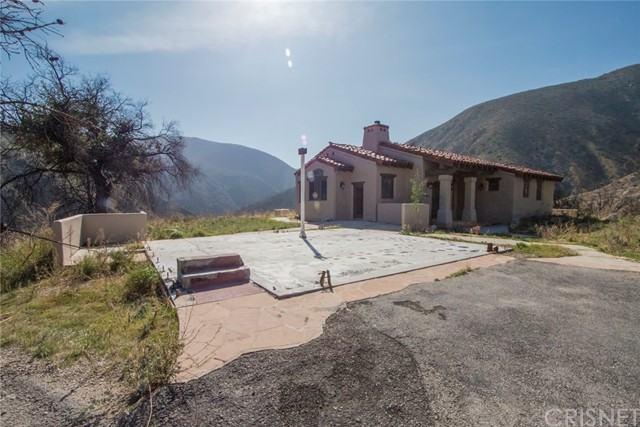 18755 Little Tujunga Canyon Road, Canyon Country CA: http://media.crmls.org/mediascn/864d6b2b-9c59-4baf-81e7-794a1a0810e7.jpg