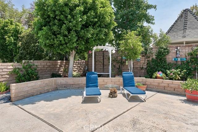 17400 Trosa Street, Granada Hills CA: http://media.crmls.org/mediascn/86702821-afda-4321-949c-d4fa268f6b05.jpg