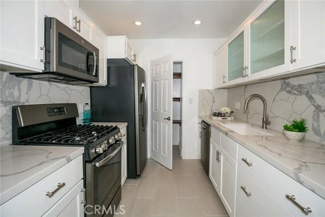 15344 Weddington Street, Sherman Oaks CA: http://media.crmls.org/mediascn/868f3dd4-cb89-4626-bccd-1cd570961c5f.jpg