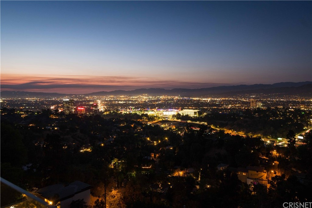 7191 PACIFIC VIEW Drive, Hollywood Hills, CA 90068