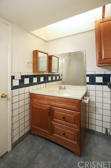 649 Sunfish Way, Port Hueneme CA: http://media.crmls.org/mediascn/86a2bb60-7a9d-4bdb-9e54-87ff54bc0d08.jpg