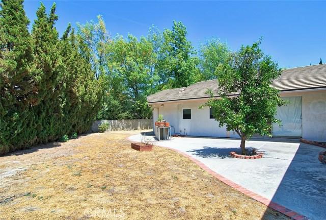 4419 Da Vinci Avenue, Woodland Hills CA: http://media.crmls.org/mediascn/86c8a698-9f59-4b94-b934-f14e0e776155.jpg