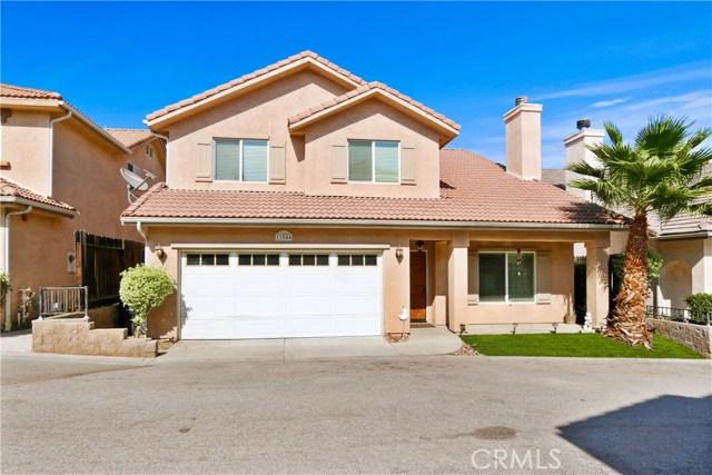 11844 Apple Grove Lane, Sylmar CA: http://media.crmls.org/mediascn/871fcf37-e403-4d3d-988d-855617e1e00e.jpg