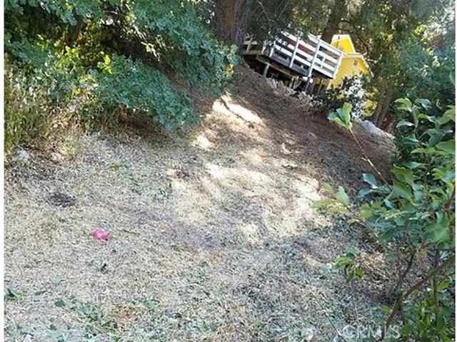 0 Pine Dr. and Dart Cany Road, Crestline CA: http://media.crmls.org/mediascn/8744283a-d974-4584-8684-a23b56f6e717.jpg