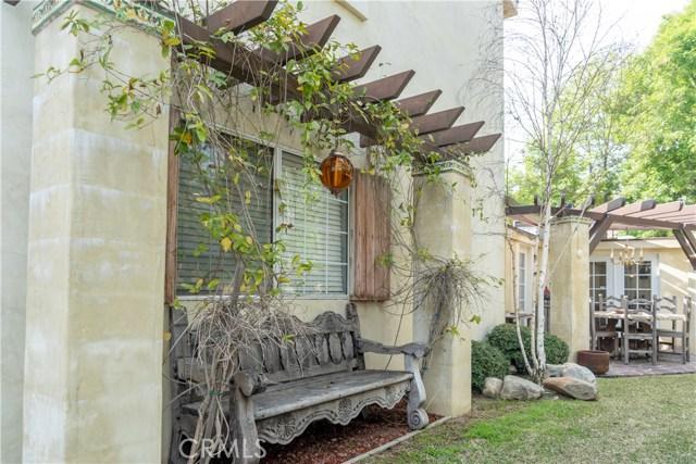 17219 Warrington Drive, Granada Hills CA: http://media.crmls.org/mediascn/8761cd5a-9c4c-497e-8ae3-9d5a5616d91b.jpg